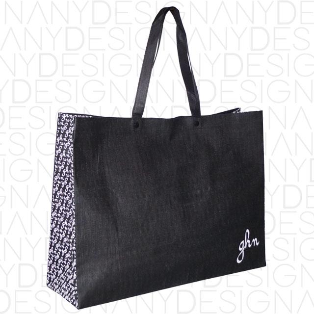 produzione di shopping bag in TNT aperta