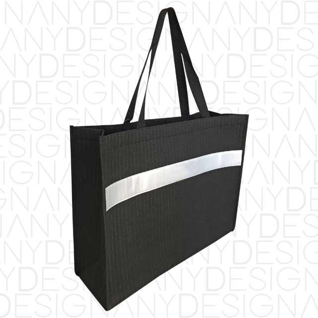 Produzione di shopping bag in TNT imbottito